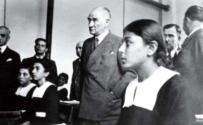 Atatürk'le çekilen fotoğrafı hafızalara kazınmıştı! Remziye Tatlı hayatını kaybetti