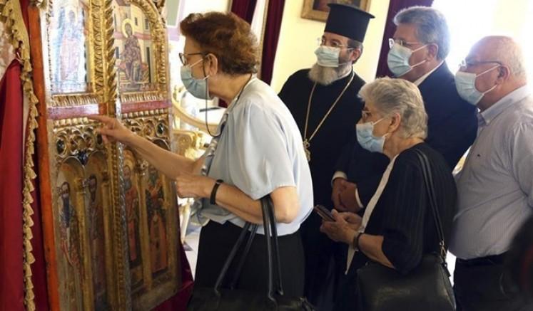 Kuzey Kıbrıs'tan Japonya'ya kaçırılan kilise kapılarını Rum tarafı geri aldı
