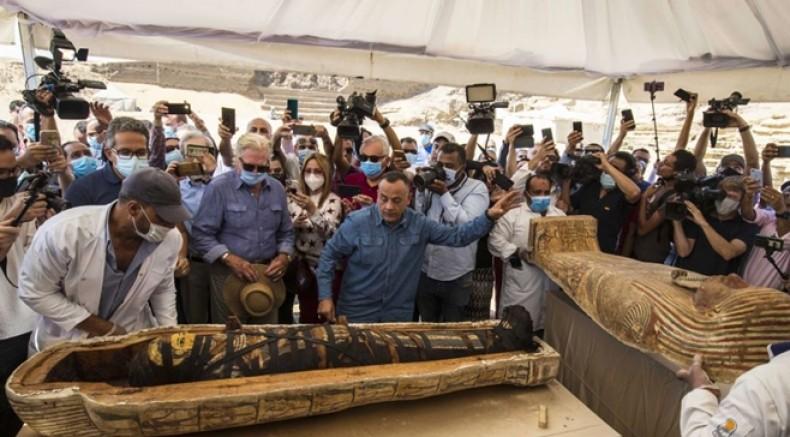 Mısır'da 2500 yıllık 100'den fazla Mumya sergilendi